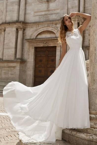 Abito da Sposa a Verona - Bianco Evento - Atelier San Valentino 3ad360e33b5